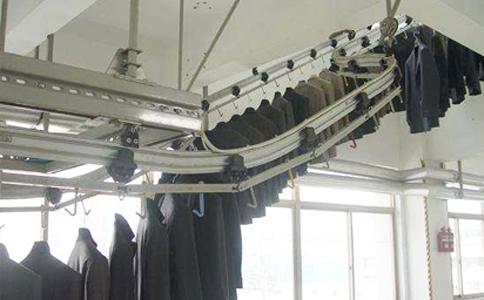 RFID服装吊挂分拣系统.jpg
